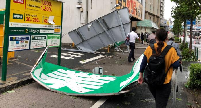 El tifón Faxai deja 20 heridos y 920.000 viviendas sin luz en Japón