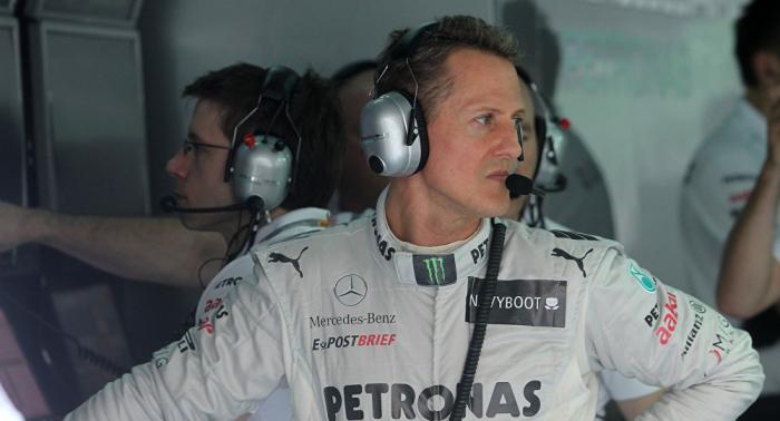 Französische Zeitung:   Michael Schumacher heimlich in Pariser Krankenhaus gebracht