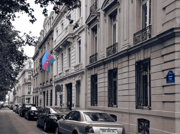 La Embajada de Azerbaiyán en Francia organiza un servicio consular móvil