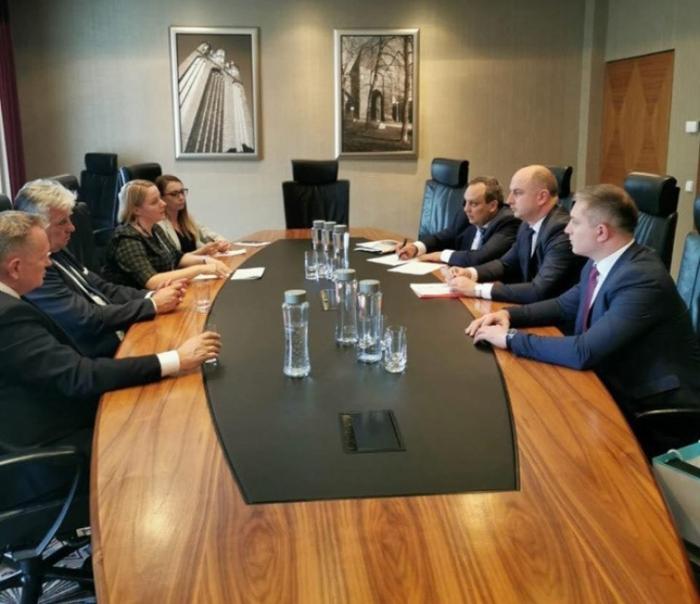 La compañía polaca se unirá al ferrocarril Bakú-Tiflis-Kars