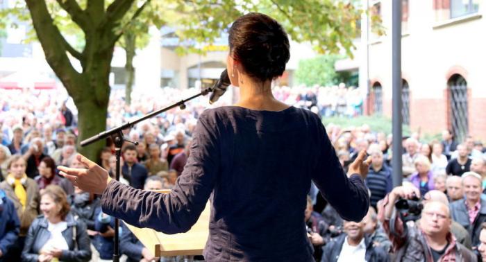 Sollte Sahra Wagenknecht die Macht ergreifen? Ex-Linke-Vorstand Gehrcke gibt sein Urteil ab