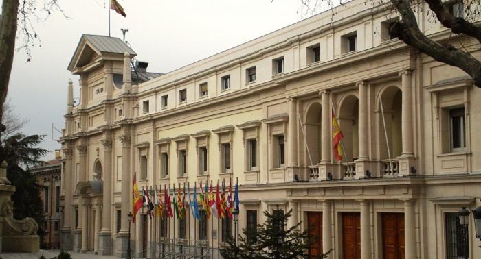 Acusan al presidente del Senado español de plagiar a numerosos filósofos