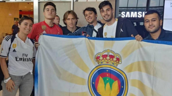 Modric estuvo con la Peña Madridista Bakú de Azerbaiyán