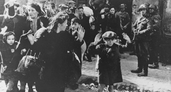Zwischen Neutralität und Nazi-Raubgold:   Die Schweiz und ihre Rolle im Holocaust
