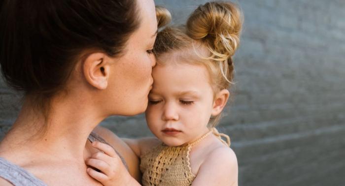 USA: Eltern verklagen Fertilitätsklinik nach der Geburt ihrer asiatischen Tochter