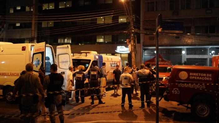 FOTOS:   Incendio en un hospital de Río de Janeiro deja al menos 11 muertos