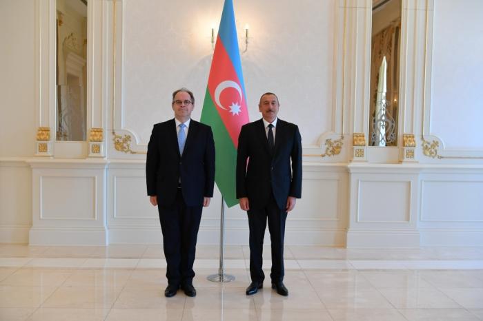 Präsident Ilham Aliyev empfängt neuen lettischen Botschafter