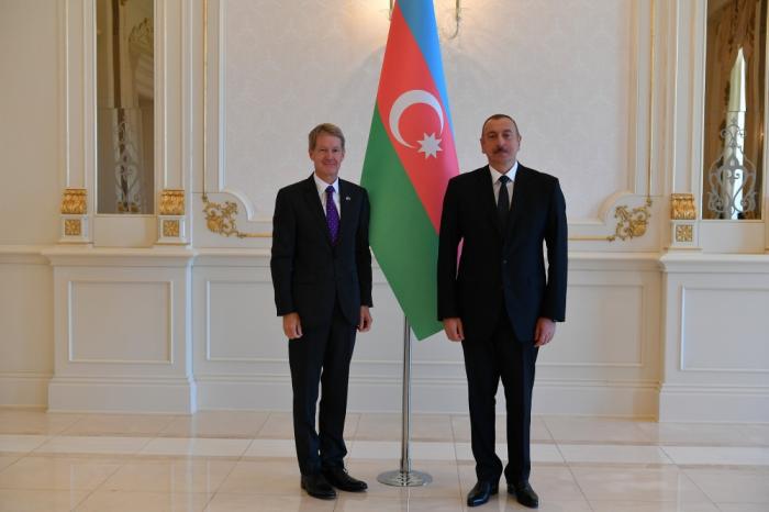 Präsident Ilham Aliyev empfängt neuen britischen Botschafter