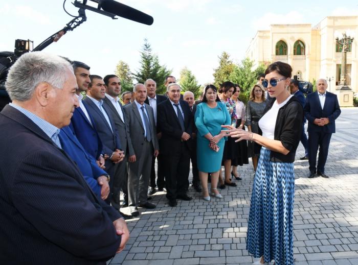 Mehriban Əliyeva İsmayıllı sakinləri ilə görüşdü - FOTOLAR