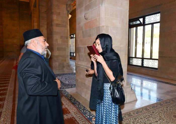 First Vice-President Mehriban Aliyeva visits Shamakhi Juma Mosque