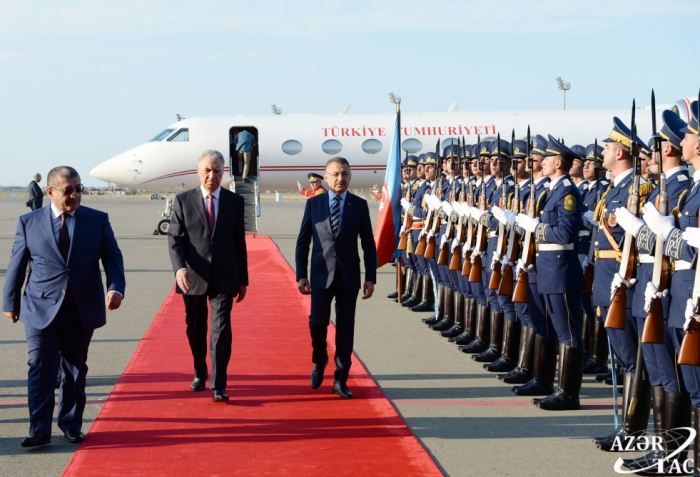 Der Vizepräsident der Republik Türkei kam zu einem offiziellen Besuch nach Aserbaidschan