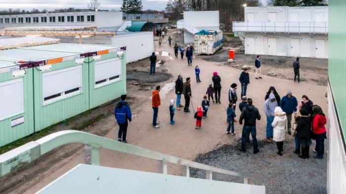 Zahl der staatlich unterstützten Asylbewerber sinkt erneut