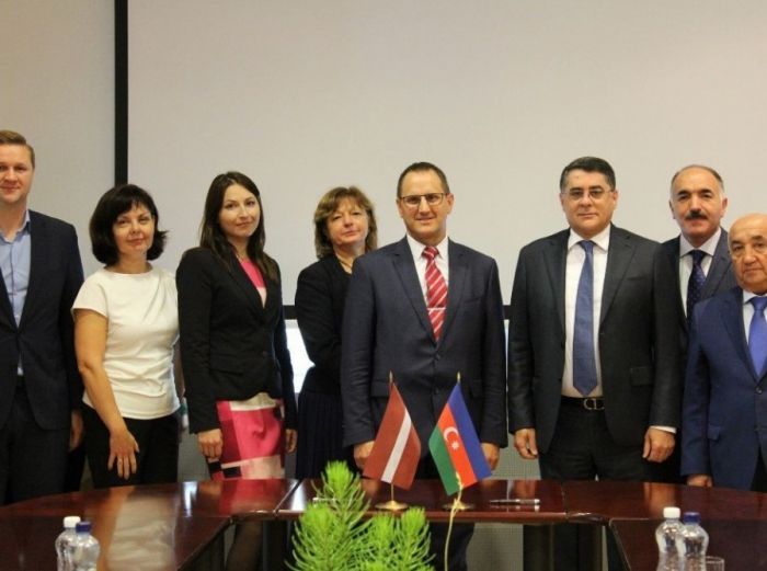 Se implementarán 300 transportes bilaterales y de tránsito entre Azerbaiyán y Letonia