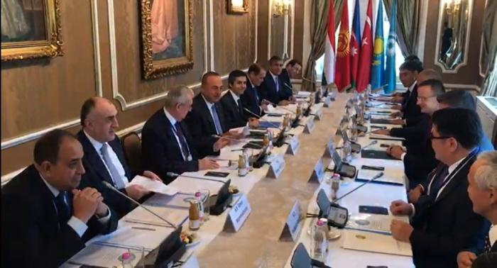 Le Conseil des ministres des affaires étrangères du Conseil turc se réunit à Budapest