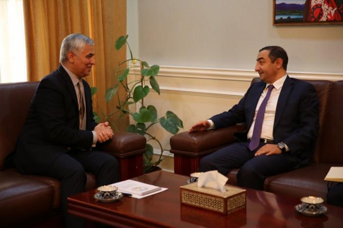 Azerbaiyán y Tayikistán discuten cooperación bilateral
