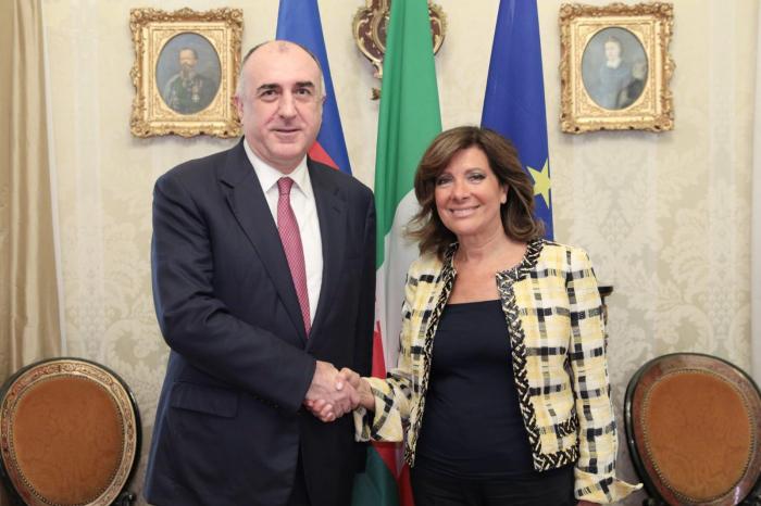 Azerbaijani FM meets president of Italian Senate
