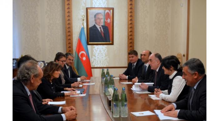 Elmar Mammadyarov se reúne con la Presidenta del Senado de Italia