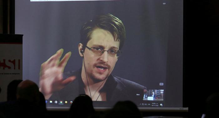 Francia asegura que no hay motivos para reconsiderar el asilo para Snowden