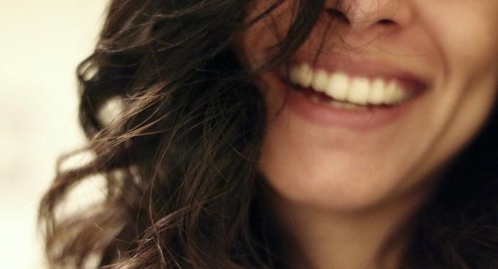 Los científicos dan la voz de alarma: ¿son peligrosos los implantes dentales?