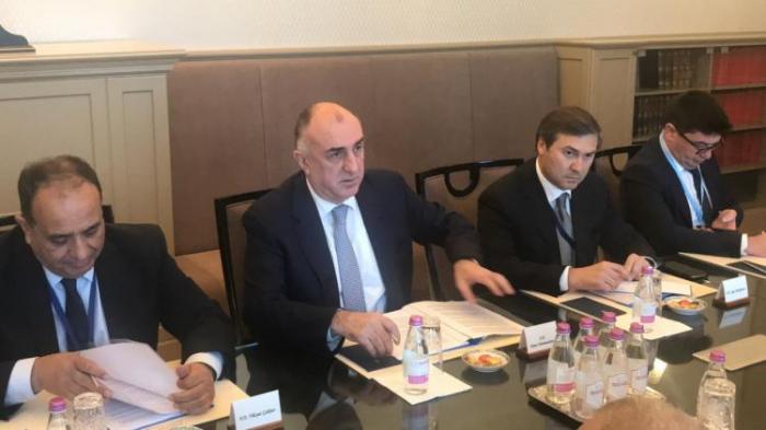 Aserbaidschanischer Außenminister trifft sich mit seinem ungarischen Amtskollegen