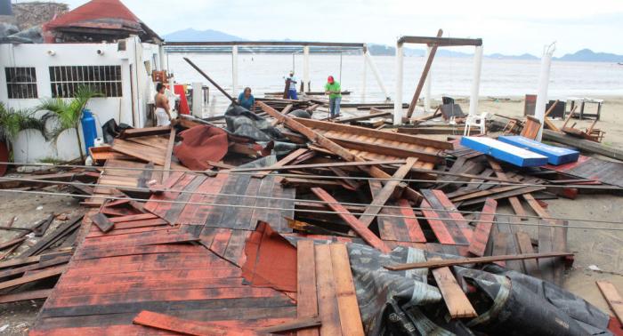 Emiten alerta roja por avance de la tormenta tropical Lorena a Baja California Sur