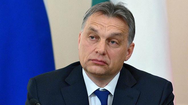 Premier húngaro viene a Bakú