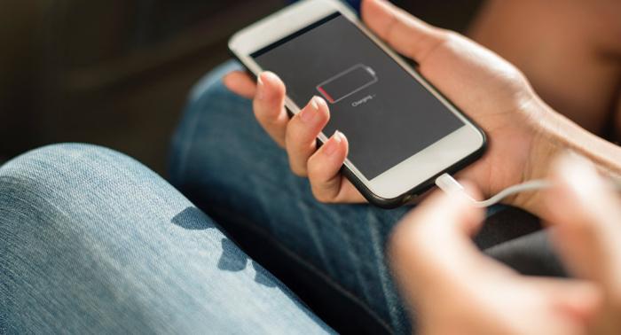 Überraschender Grund, warum Sie Ihr Handy nicht mit aufs Klo nehmen sollten