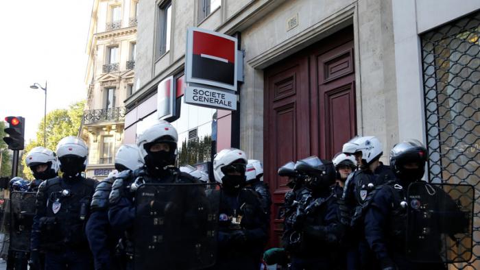 La Policía de París arresta a 30 personas en la protesta número 45.º de los