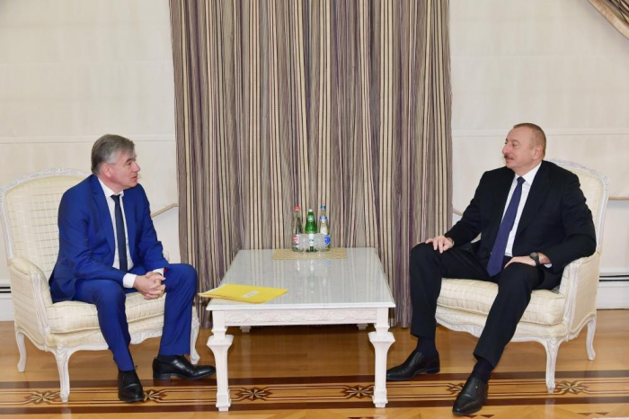 President Ilham Aliyev receives head of France-Caucasus Friendship Group