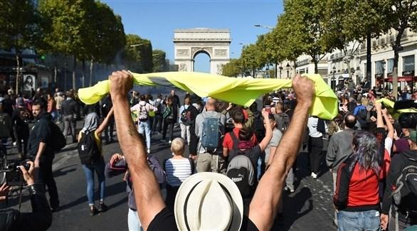 """اعتقال 152 شخصاً في مسيرة جديدة """"للسترات الصفراء"""" في باريس"""