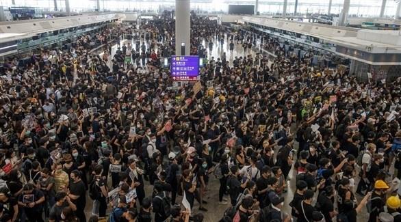 شرطة هونغ كونغ تمنع احتجاجات في المطار