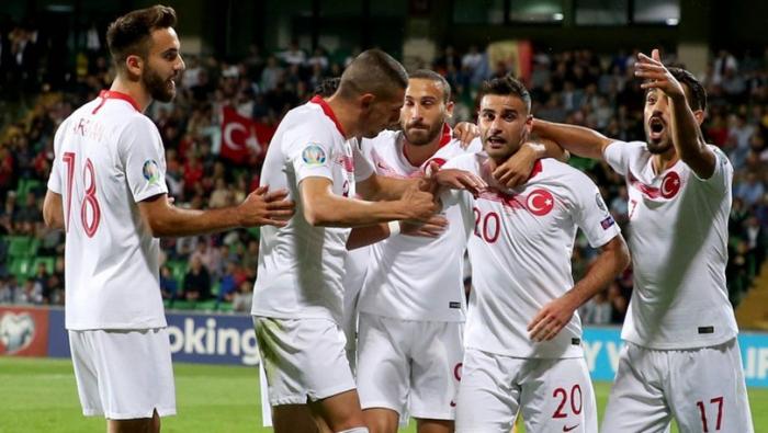 Ronaldodan poker, Türkiyə lider oldu - VİDEO