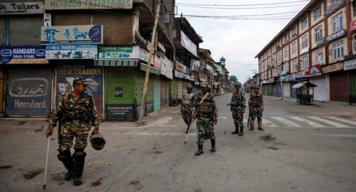 السلطات الهندية تعتقل مسلحين في كشمير