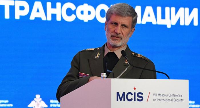 """على رأسهم أمريكا... وزير الدفاع الإيراني يوجه رسالة إلى """"الأعداء"""""""