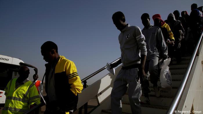 Le Rwanda va accueillir des Africains retenus dans des camps libyens