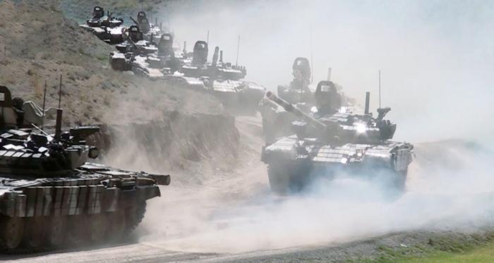 10 min nəfərədək şəxsi heyət, 100-dən çox tank təlimdə - VİDEO+FOTOLAR
