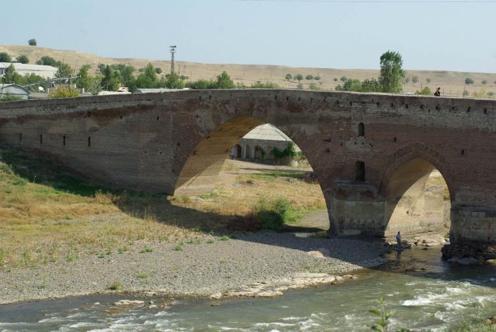 """""""Sınıq körpü""""də təmir işləri ilin sonunadək yekunlaşacaq"""