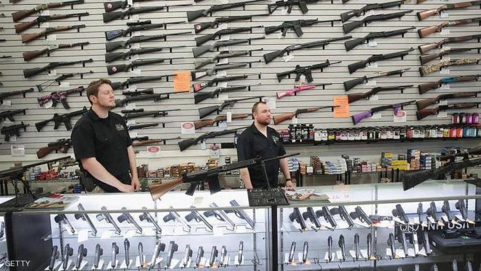 """بسبب """"الأطفال"""".. قوانين السلاح تعود للواجهة في أميركا"""