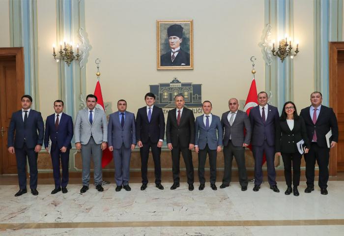 Fuad Muradov İstanbul valisi ilə görüşüb
