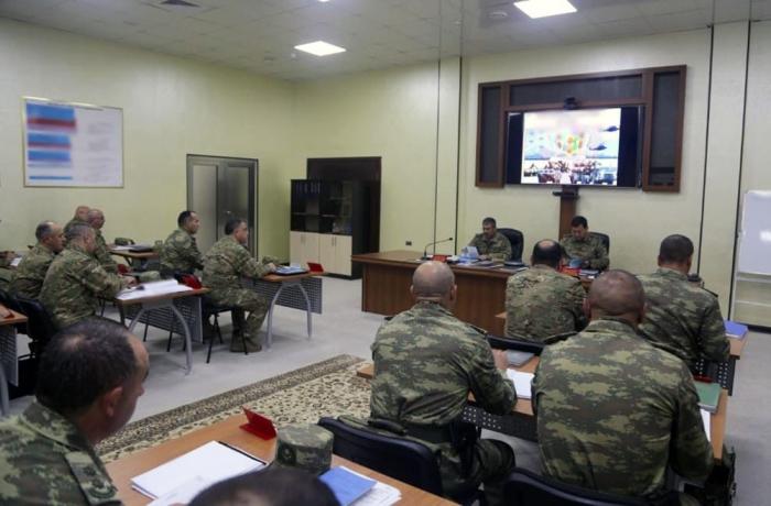 Müdafiə nazirinə təlimlər barədə məruzə edilib - VİDEO+FOTOLAR