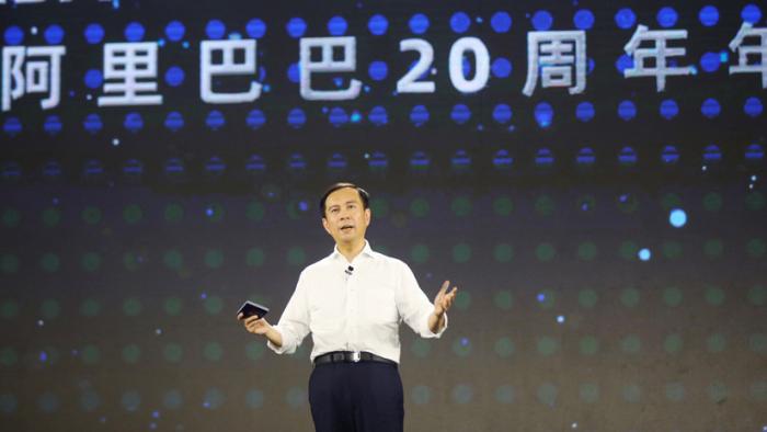 ¿Quién es Daniel Zhang, el nuevo