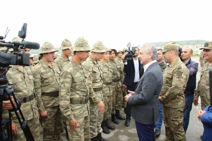 """""""Onların qarşısında heç kim duruş gətirə bilməz"""" - Əli Əhmədov"""