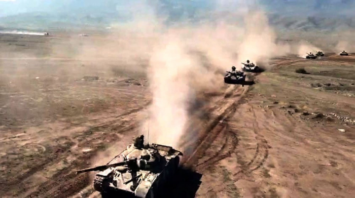 La fase principal de ejercicios del tiro de combate a gran escala –   VIDEO+FOTOS