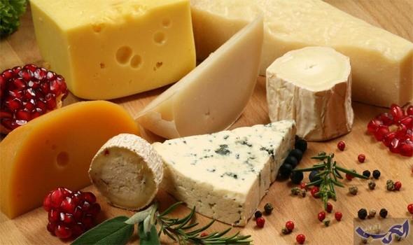 """دراسة جديدة تؤكد أن تناول """"الجبن"""" يوميًا يحمي الأوعية الدموية من التلف"""