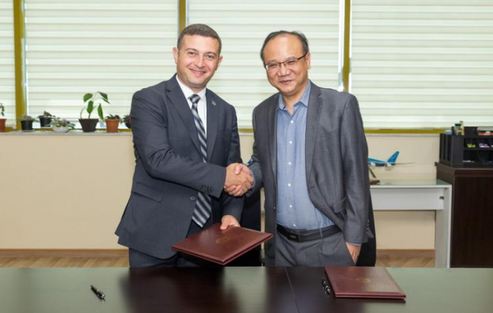 AZAL signed three years agreement on charter flights to China