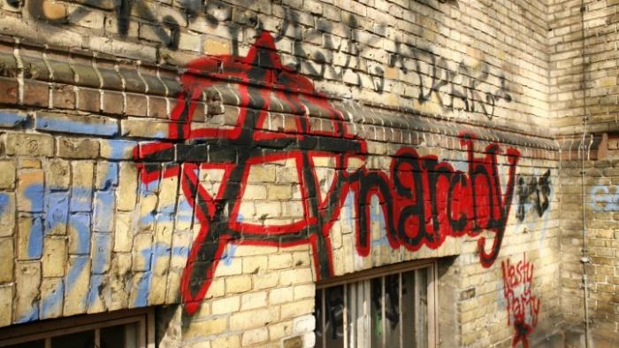 Bundesregierung: Viele Angriffe auf AfD