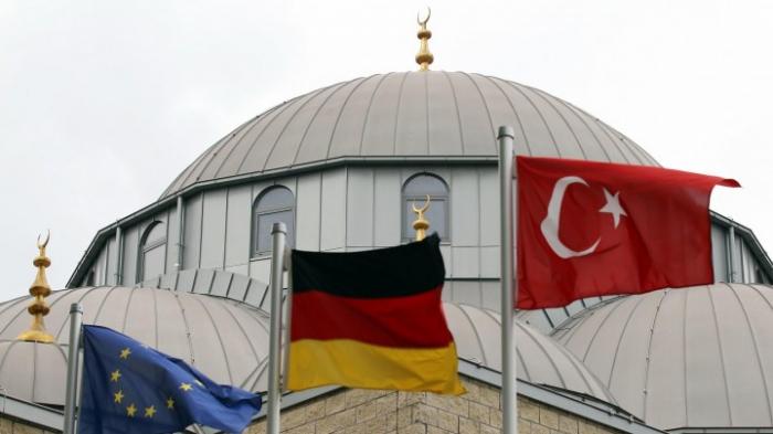 Erneut Bombendrohung gegen Moscheen