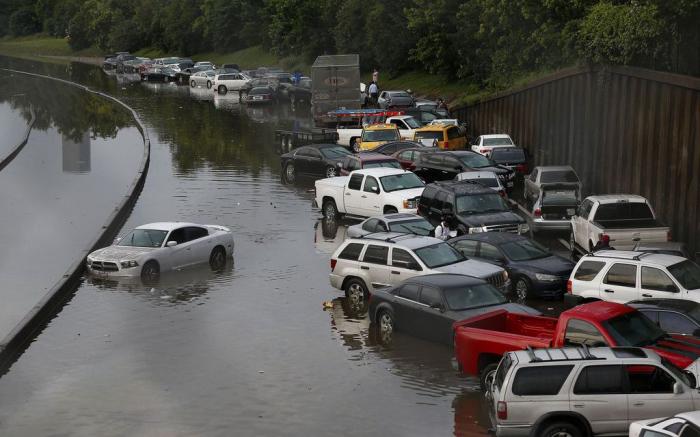 Des pluies diluviennes sèment le chaos au Texas