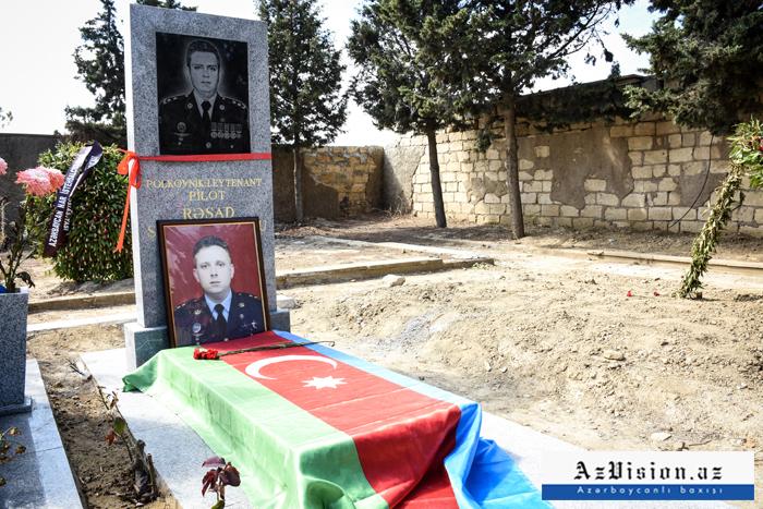 Pilot Rəşad Atakişiyevin məzarı -    FOTOLAR