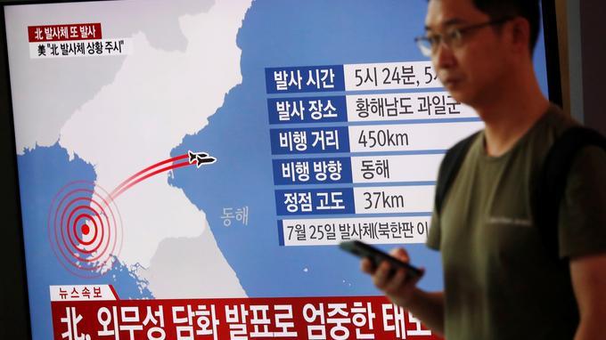Pyongyang propose de renouer le dialogue... et tire deux missiles